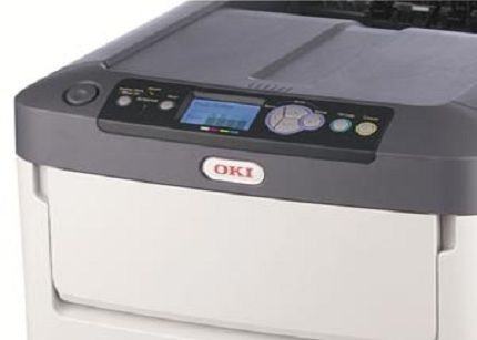 OKI presenta nuevos equipos de tóner blanco