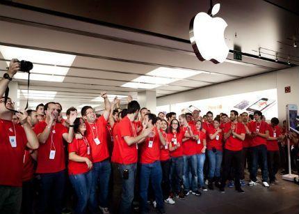 La novena tienda de Apple en España abre sus puertas en Valladolid