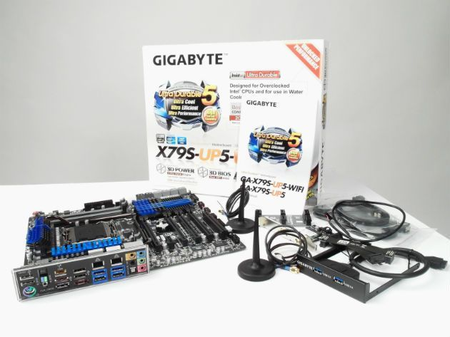 Gigabyte-x79S-up5