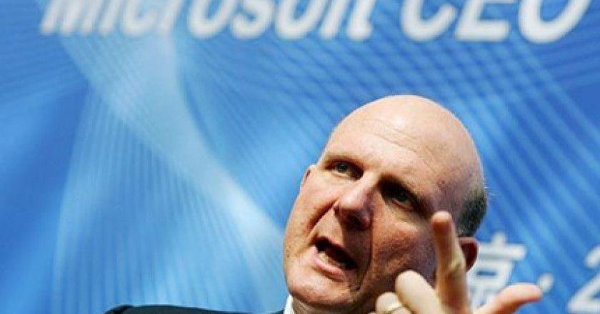 Steve Ballmer dejará de ser CEO de Microsoft en menos de un año
