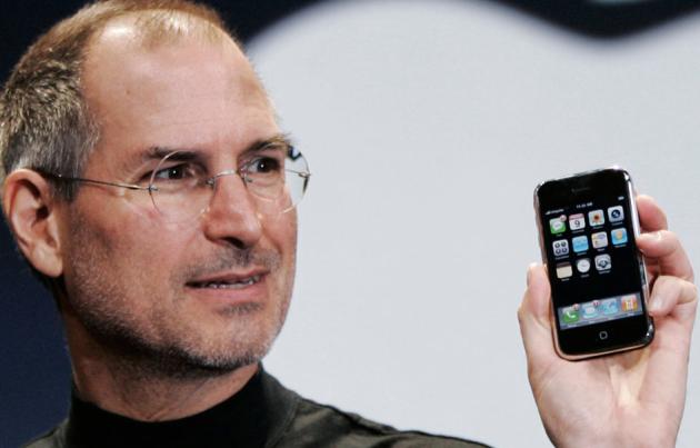 steve-jobs-original-2007-iphone