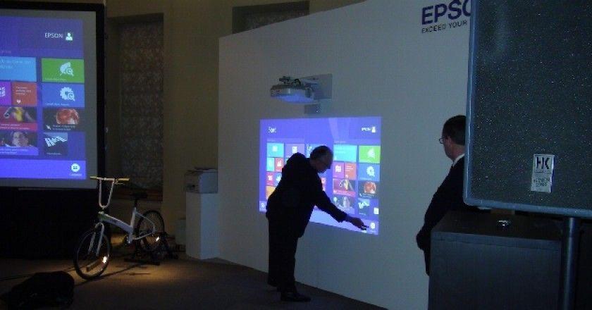 Epson apuesta por la tecnología interactiva en el ámbito educativo