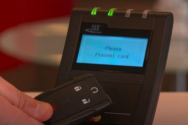 pagar_mando_coche