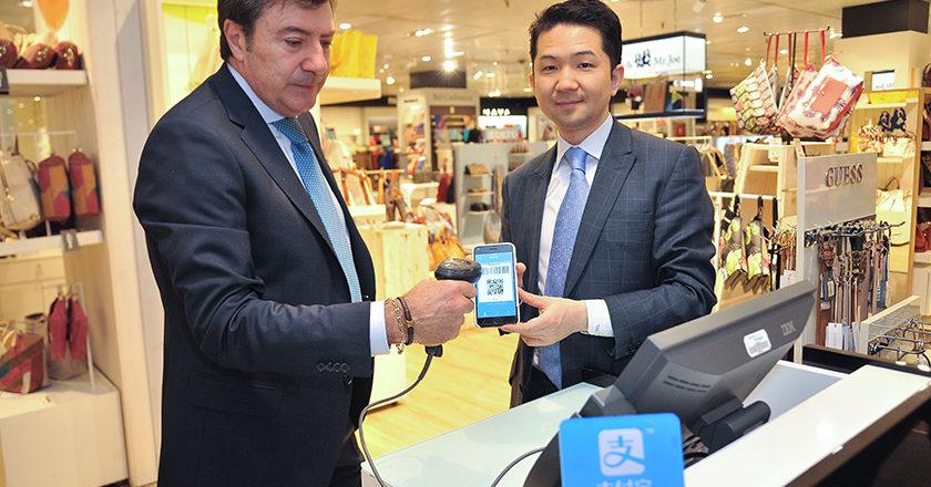 El director de desarrollo de negocio de Alipay en EMEA, Tao Tao, en El Corte Inglés